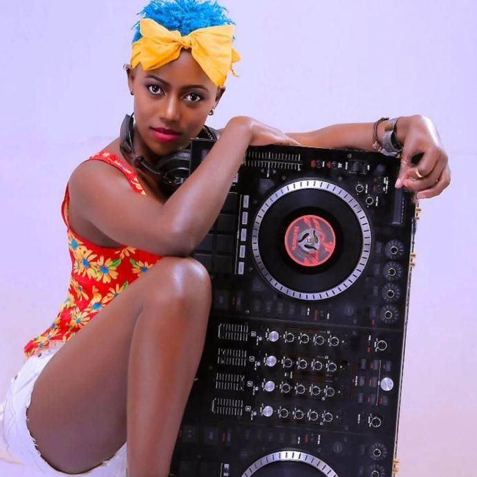Sanyu FM - DJ XZLY